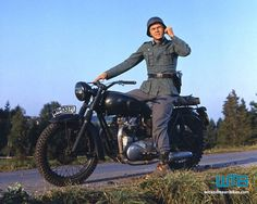 The Great Escape (1963) wmb-the-great-escape-motorcycle-movies.png (800×640)