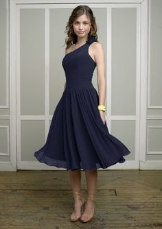 Navy bridesmaid dress idea