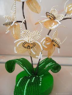 """Цветы ручной работы. Орхидея - паучок """"Агриопа"""" из бисера. Ирина Пшеничных. Ярмарка Мастеров. Подарок на новый год, цветок из бисера"""