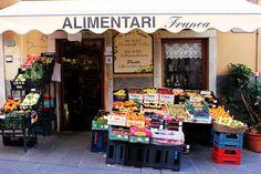 cinque terre, italia! | Love Taza