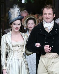 Mansfield Park, in this version Julia is suitably plainer than her older sister who looks devilishly beautiful.