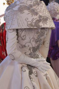FIDM 2018 Art of Costume Design Featuring Oscar-Nominated Costumes Showman Movie, Glitter Room, Best Costume Design, Rebecca Ferguson, Royal Brides, The Greatest Showman, Movie Costumes, Beautiful Dresses, Photo Galleries