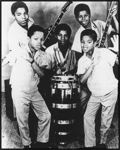 The Jackson 5 was born out of Gary, Indiana, and was the hit group that would give rise to Michael Jackson's solo career. Photos Of Michael Jackson, Michael Jackson Rare, Michael Jordan, The Jackson Five, Jackson Family, Mike Jackson, Gary Indiana, King Of Music, The Jacksons