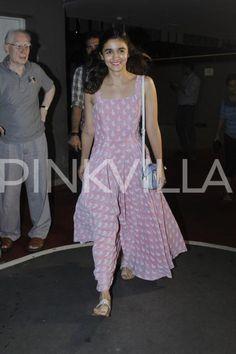 Pretty in Pink! Alia Bhatt Returns to Mumbai! | PINKVILLA