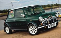 british racing green mini cooper - Class !
