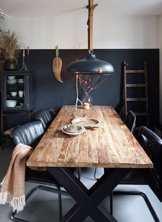 Dining Room Table Centerpieces, Dining Table, House Inside, Black Walls, Dining Room Design, Diy Room Decor, Home Decor, Room Inspiration, Sweet Home