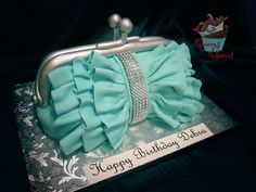 Teal and silver purse cake Gorgeous Cakes, Pretty Cakes, Amazing Cakes, Crazy Cakes, Fancy Cakes, Cupcakes, Cupcake Cakes, Tiffany Cakes, Tiffany Box