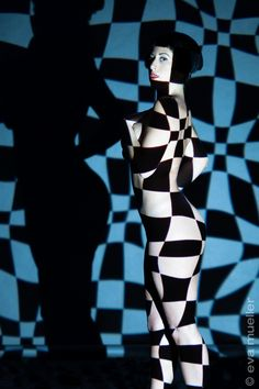 Projection Shoot with Karina Junker on Behance Body Art Photography, Shadow Photography, Light Photography, Lumiere Photo, Crazy Horse Paris, Projector Photography, Arte Linear, Light Tattoo, Acid Art