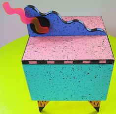 vtg 80s new wave jewelry box...freaky