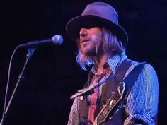 You think You know Somebody; Todd Snider.  Excellent song.
