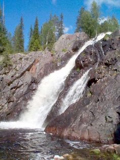 Hepoköngäs waterfall in Puolanka, Finland Story Inspiration, Waterfalls, Norway, Art Projects, Beautiful Places, Nostalgia, National Parks, Scenery, Europe