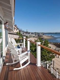 Idée de décoration pour une terrasse marine de taille moyenne avec aucune couverture.