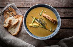 Ψαρόσουπα μεσογειακή με τσιπούρα και κρόκο Κοζάνης Hummus, Thai Red Curry, Fish, Fruit, Cooking, Ethnic Recipes, Homemade Hummus, Baking Center, The Fruit