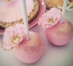 Pink and Gold Wedding cake pops and cookies - Cake by Creative Cakepops Edible Glitter, Glitter Cake, Gold Glitter, Gold Sparkle, Sparkle Cake, Glitter Dust, Glitter Cardstock, Glitter Gel, Glitter Stars