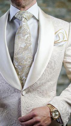 Wedding Suits S by Sebastian Ivory Paisley Dinner Jacket Sharp Dressed Man, Well Dressed Men, Mens Fashion Suits, Mens Suits, Men's Fashion, Groomsmen Suits, Trendy Fashion, Slim Fit Tuxedo, Designer Suits For Men