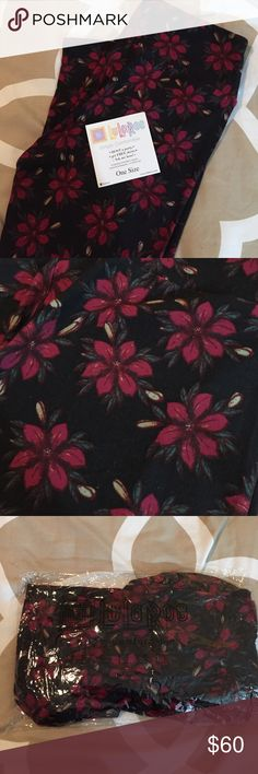 NWT OS LuLaRoe Christmas Poinsettias Leggings NWT OS LuLaRoe Christmas Poinsettias Leggings. One size. Taken out of bag for pictures and to try on. So sad to see these go- purchased and just never wore! Super unicorn. Reasonable offer welcomed. Cross posted. LuLaRoe Pants Leggings
