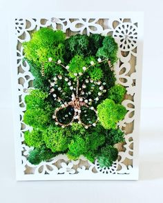 with lichens & butterfly with cristals & pearls- white photo frame White Photo Frames, Pearl White, Butterfly, Pearls, Decoration, Handmade, Diy, Home Decor, Homemade Home Decor
