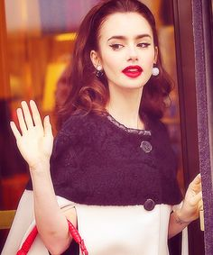 Lily Collins, how can she be so classy? She just like an old hollywood actress.