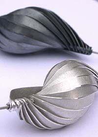 Gerlinde Huth ~ Velvet da Vinci Contemporary Art Jewelry and Sculpture Gallery,