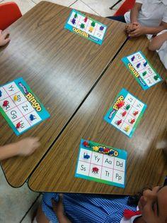 Bingo de letras para los estudiantes de kinder.