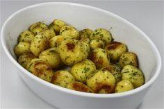Smørstegte kartofler med billede Endnu en opskrift fra Alletiders Kogebog blandt tusindevis opskrifter.