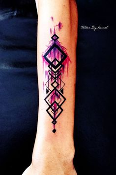Geometric color tattoo