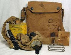 Original-WWI-US-Gas-Mask-with-Canvas-bag-with-ID-of-5th-Division-Soldier