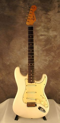 """Fender 1962 Stratocaster in Olympic White with original """"mint green"""" guard;   ronsvintage.com"""