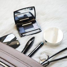 Makyaj çantalarını yanından ayırmayarak son dakika planlarına her zaman hazır olanlar burada mı? #boyner #boyneronline #lancome #makyaj #makeup #beauty