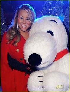 Mariah Carey: Christmas Tree Lighting with Snoopy!: Photo Mariah Carey gets into the Christmas spirit early at the Rockefeller Center's annual Christmas Tree Lighting Ceremony on Friday (November in New York City. Peanuts Christmas, Christmas Time, Merry Christmas, Celebrity Women, Celebrity Pictures, Land Of Misfit Toys, Mariah Carey Christmas, Charlie Brown Cafe, Maria Carey