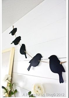 love the birds.great idea to use wrens for my spring stall garland. Wood Crafts, Diy And Crafts, Arts And Crafts, Paper Crafts, Diy Wood, Craft Projects, Projects To Try, Pallet Art, Diy Home Decor