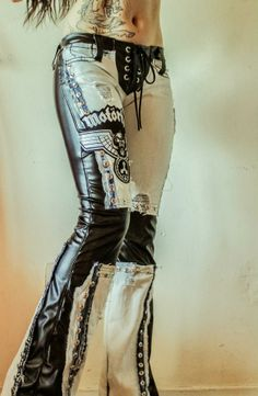 toxic vision - leather and denim Style Emo, Hippie Style, My Style, Metal Fashion, Gothic Fashion, Look Fashion, Womens Fashion, Boho Chick, Leather And Lace