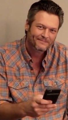 "Blake Shelton Reads Everyone's ""Kind"" Words About Him Being Named the Sexiest Man Alive"