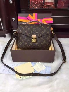 louis vuitton Bag, ID : 41677(FORSALE:a@yybags.com), louis vuitton leather briefcase for women, louis vuitton leather belts online, louis vuitton duffel bag, louis vuitton bag names, louis vouitton, luiviton, louis vuitton handbag accessories, lui viton handbags, louis vuitton denim bag, louis vuitton cheap handbags, loui vuitton designer #louisvuittonBag #louisvuitton #louisvuitt