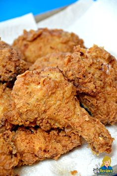 FRIED CHICKEN RECIPE 9 step for best chicken being the hit of the party! - What is my favorite food ever? If you like Fried Chicken, you will love this crunchy, juicy, flavorful Best Ever Fried Chicken Recipe! Fried Chicken Drumsticks, Fried Chicken Legs, Spicy Fried Chicken, Making Fried Chicken, Buttermilk Fried Chicken, How To Fry Chicken, Sides For Fried Chicken, Cast Iron Fried Chicken, Homemade Fried Chicken