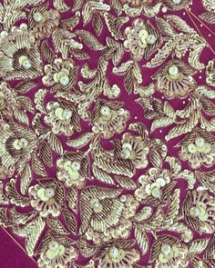 115 отметок «Нравится», 2 комментариев — Zaheer Abbas (@zaheerabbasofficial) в Instagram: «Starting the week with these beautiful details !!! #bridalcouture #details #craftmanship #zardosi…»