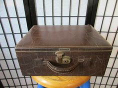 Vintage 1940s 1950s Shortrip Small Suitcase Train Case by girlgal6