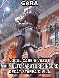 Embracing Couple Statue (The Meeting Place) at St Pancras train station, London UK Make You Cry, Beauty Art, True Words, Acting, Dads, Jokes, Meeting Place, Statue, London