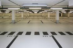 Nattlerarchitekten: Underground parking in Essen Park Signage, Wayfinding Signage, Signage Design, Parking Space, Parking Lot, Car Parking, Parking Building, Garage Interior, Garage Lighting