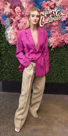 Look of the Day - Rosie Huntington-Whiteley in Jacquemus Rosie Huntington Whiteley, Winter Outfits For Work, Summer Outfits, Latest Outfits, Fashion Outfits, Work Fashion, Gothic Fashion, Celebrity Dresses, Celebrity Style