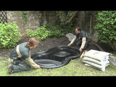 Installation Ubbink ready-made pond Fish Pond Gardens, Small Water Gardens, Garden Pond, Outdoor Ponds, Ponds Backyard, Plastic Pond, Cascade Water, Small Water Features, Building A Pond
