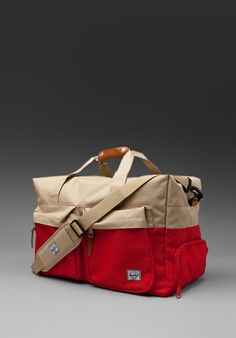Walton Duffle Bag in Red/Khaki / HERSCHEL SUPPLY CO.