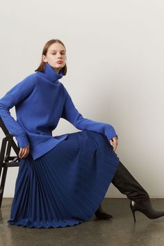 Markus Lupfer Pre-Fall 2019 Collection - Vogue The complete Markus Lupfer Pre-Fall 2019 fashion show now on Vogue Runway. Moda Fashion, Blue Fashion, Fashion Week, Womens Fashion, Fashion Trends, Vogue, Mode Outfits, Fashion Outfits, Parisian Chic