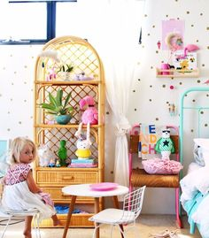Toddler Bedroom Ideas - simple low cost ideas I use to create a fun, unique bedroom space for my little girl Indi. Kids bedrooms | children's rooms | little ones | nursery