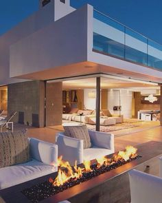 Great pin for you guys! Interior Decorating, Interior Design, White Houses, Model Homes, Luxury Living, My Dream Home, Modern Architecture, Luxury Homes, Modern Design
