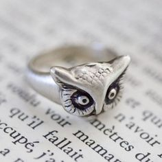 An owl ring. great!