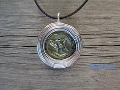 Ketten kurz - Kette Calma mit Kaffeekapselanhänger Oliv-Silber - ein Designerstück von amarna-kunsthandwerk bei DaWanda