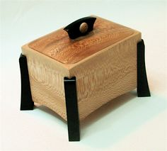 quartersawn sycamore with ebonized walnut legs and handle Small Wooden Boxes, Wooden Jewelry Boxes, Jewellery Boxes, Small Boxes, Wood Boxes, Wood Box Design, Wooden Keepsake Box, Keepsake Boxes, Box Maker