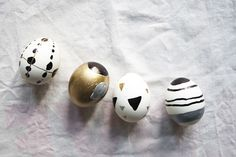 Deco Nature, Egg Decorating, Bunt, Dyi, Eggs, Easter, Seasons, Black And White, Decoration