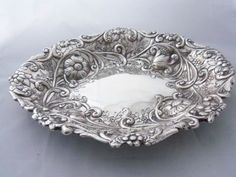 REPOUSSE LARGE Antique Victorian English Sterling Silver Dish Bowl Basket